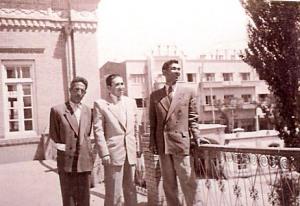 بالکن دبیرستان فردوسی و مرحوم کاظم گنجویان
