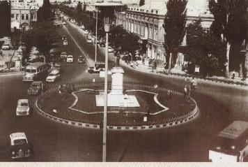 میدان شهرداری (ساعت) بطرف فردوسی، 1345